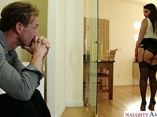 Тренер отлизал пизду Валентине Наппи