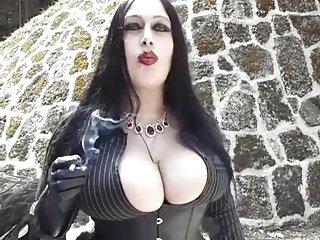 Gothic Granny Porn | Niche Top Mature