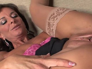 Morose mature wide stockings & heels takes a facial