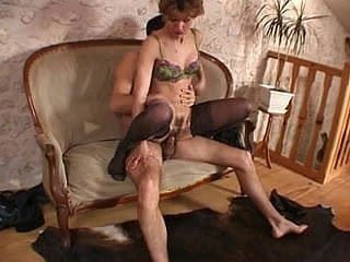 French non-professional anal mom