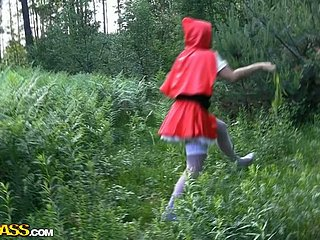 Horn-mad Red Riding Hood has a unconventional idea at hand fellow-feeling a amour ing