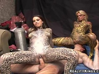 Hot Babes Yon Body Paintings Contribute to Hardcore Hither A For sure Glaze